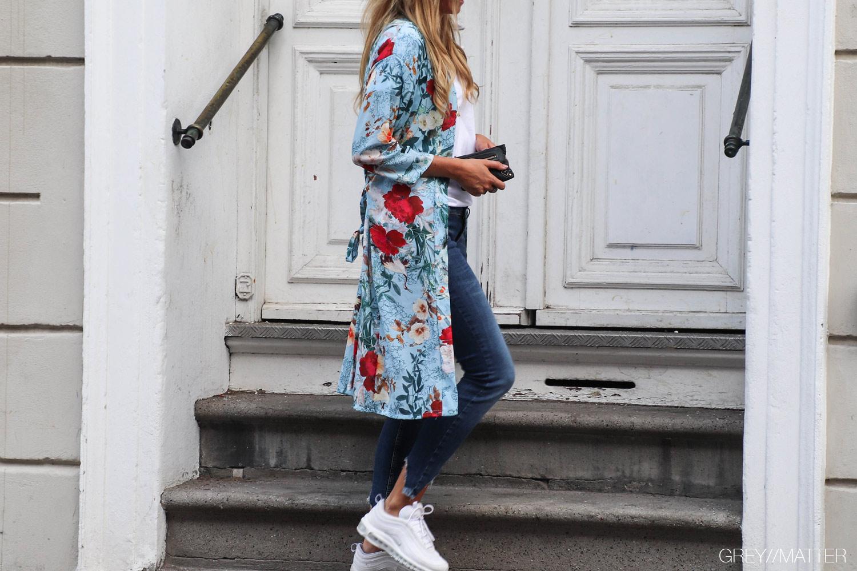 greymatter-fashion-kimono-light-blue-gm1.jpg