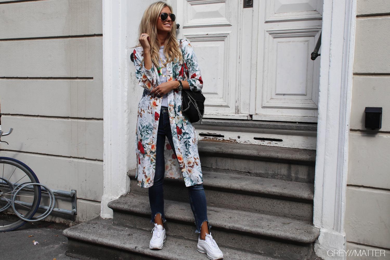 greymatter-kimono-hvid-med-print-blogpost.jpg