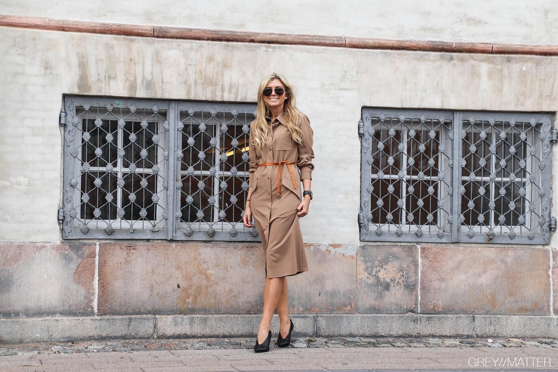 imperial-kjole-camelfarvet-efteraars-kjole.jpg