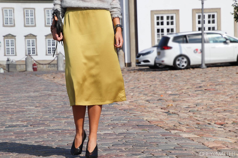 3-greymatter-gul-nederdel-fashion-neo-noir.jpg