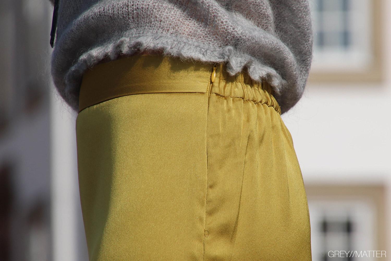 5-greymatter-fashion-nederdel-strikbluse-manni.jpg