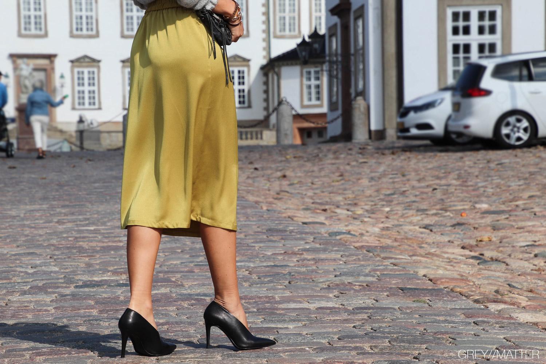 6-neo-noir-junes-nederdel-yellow.jpg