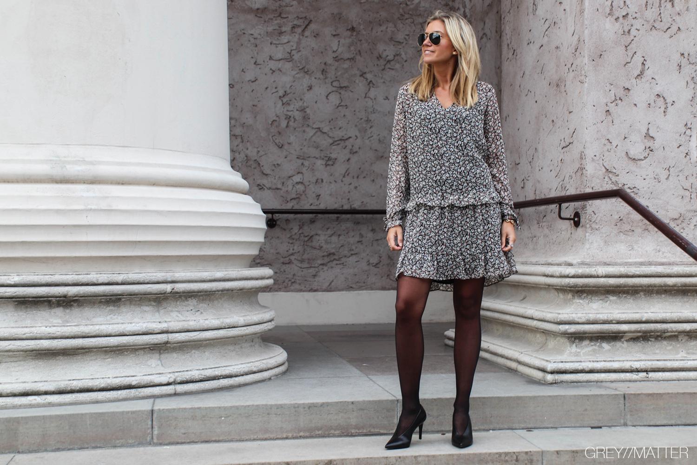 greymatter-neo-noir-kjole-med-print.jpg