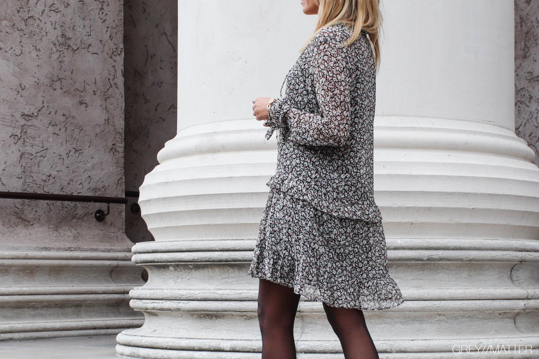 greymatter-solo-flower-kjole-neo-noir.jpg