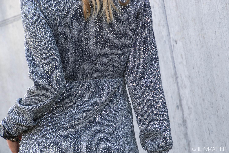 glimmer-kjoler-palietter-silverdress-nytaarskjole.jpg
