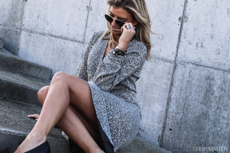 greymatter-vila-kjole-glimmer-dress-silver-gm2.jpg