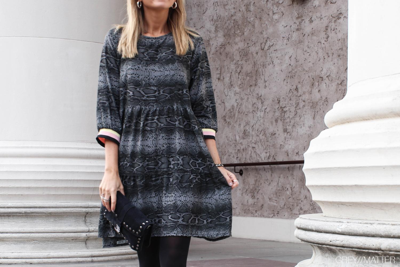 greymatter-fashion-slangekjole-look.jpg