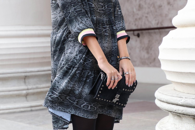 greymatter-slangeskindskjole-dress-python-print.jpg