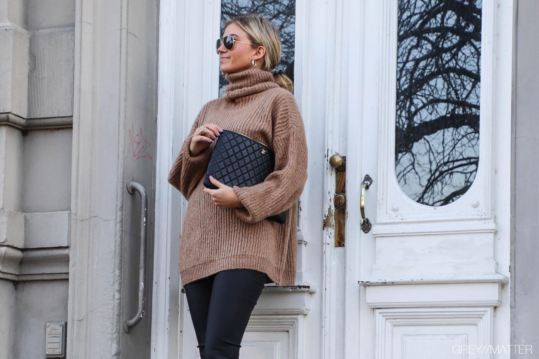 greymatter-knit-blouse-vila-coated-leggings.jpg