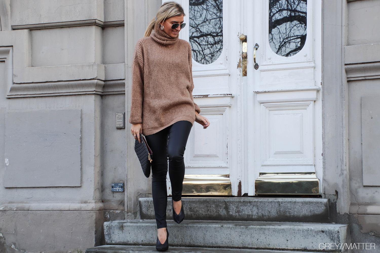 strikbluser-sweater-brown-blouse-knit.jpg