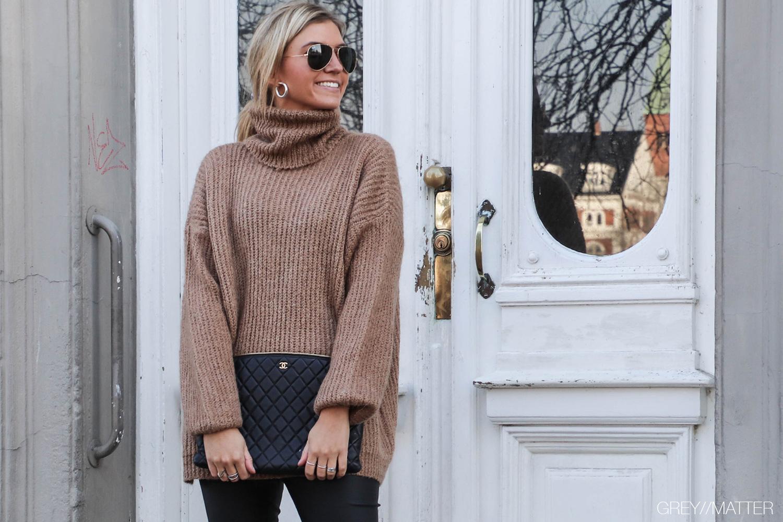 sweater-brown-knit-strikbluser.jpg