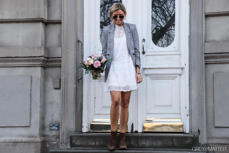 anine-bing-ternet-blazerjakke-cool-blondekjole-neo-noir.jpg