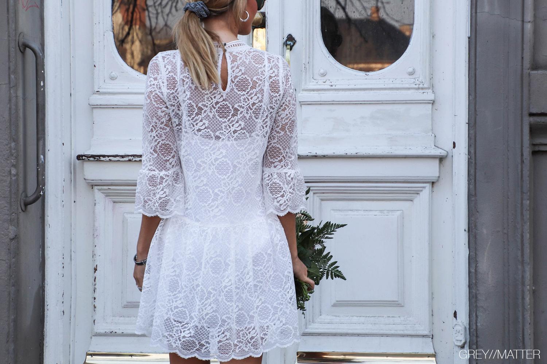 hvid-kjole-neo-noir-blonder.jpg