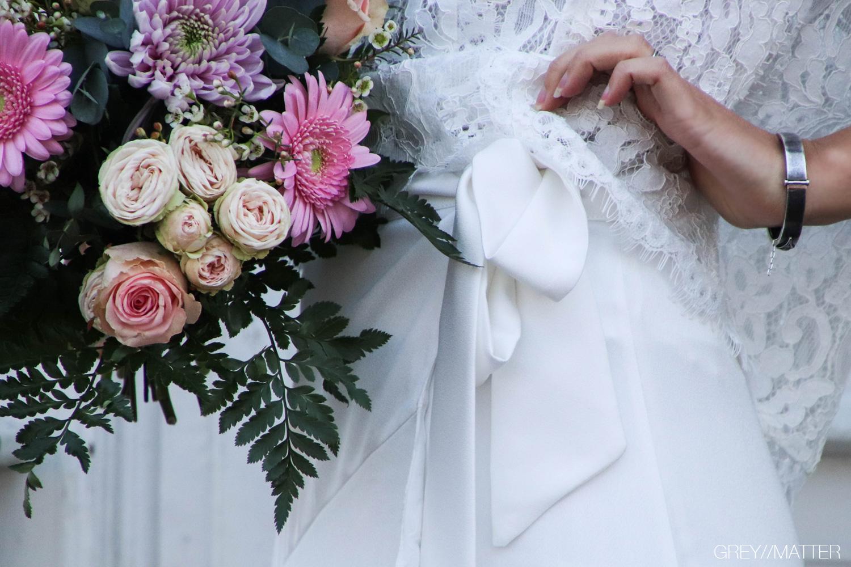 neo-noir-toej-hvidt-konfirmation-bryllup.jpg