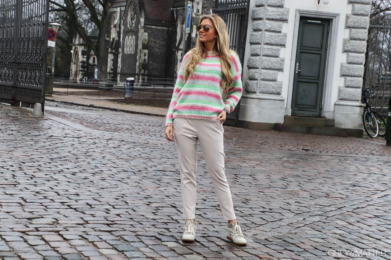 11-greymatter-fashion-beige-pants-stribede-bluser.jpg