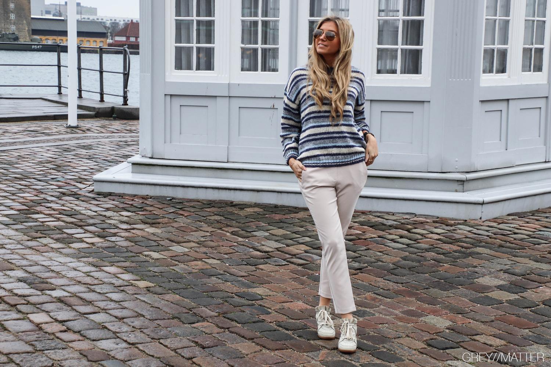 greymatter-imperial-fashion-bukser-soft-beige-stribede-bluser.jpg