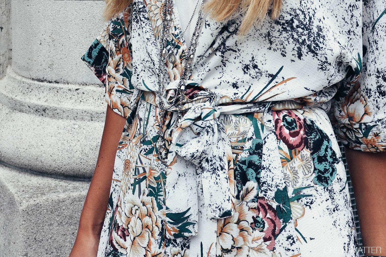 greymatter_kimono_hvid_smuk_festlook.jpg