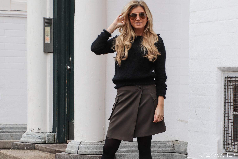 greymatter-fashion-kenja-nederdel-med-lommer-neo-noir.jpg