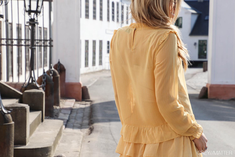 tyrah-neo-noir-gul-bluse.jpg