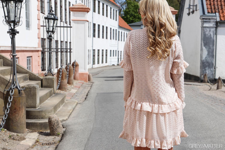 greymatter-fashion-kjole-hair-styling-extension-by-bothmann.jpg