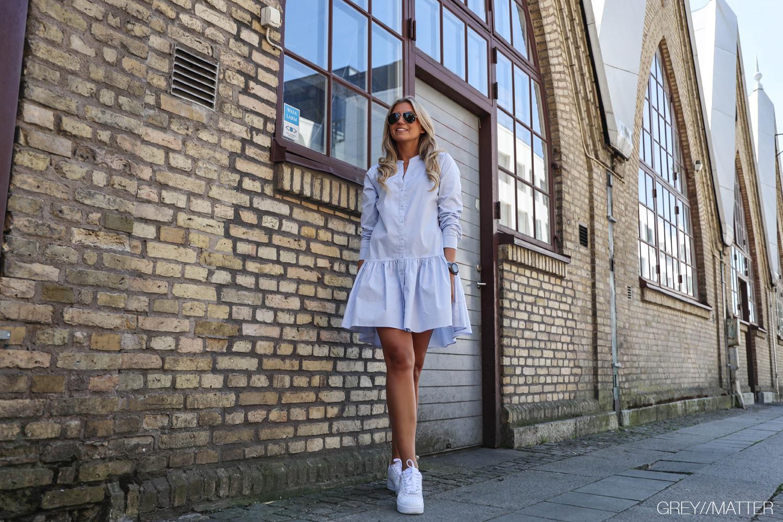 stellar-light-blue-dress-shopping-hverdagskjoler.jpg