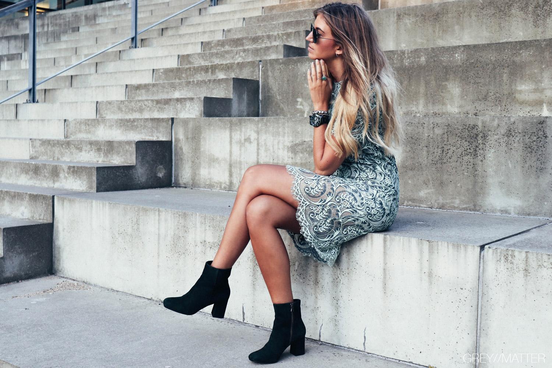 blondekjole_apair_stoevler_greymatter.jpg
