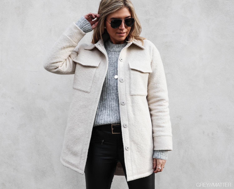 greymatter-fashion-pike-neo-noir-jakke-sandfarvet.jpg