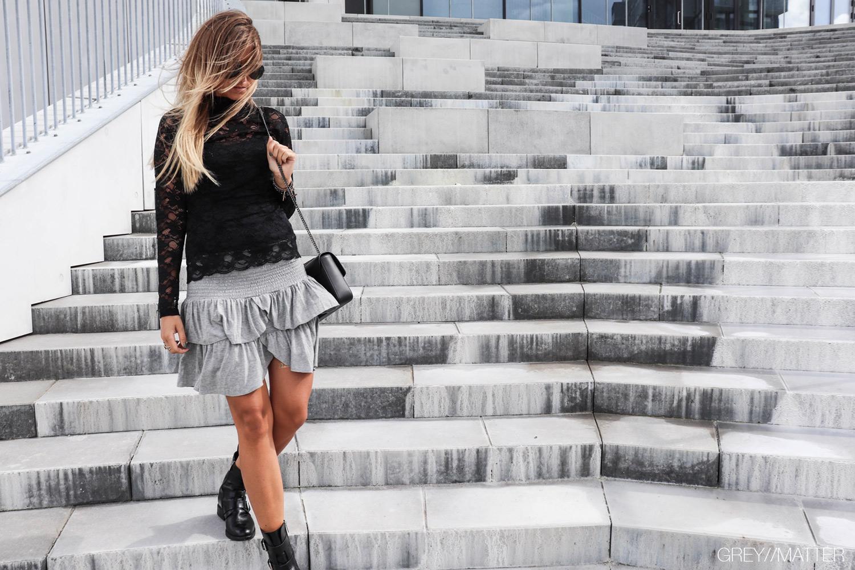 1_liza_blondebluse_neo_noir_carin_nederdel.jpg