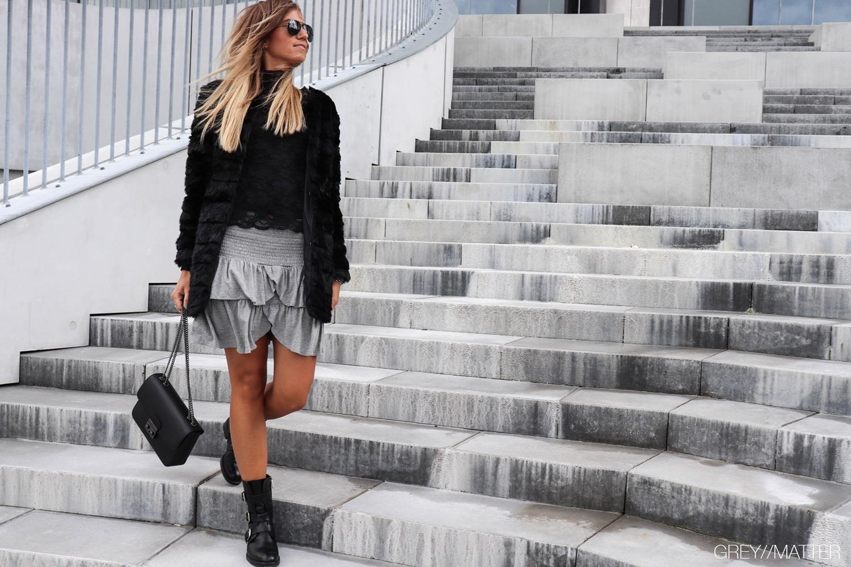 greymatter_fashion_faux_fur_jakke_sort_carin_neo_noir.jpg