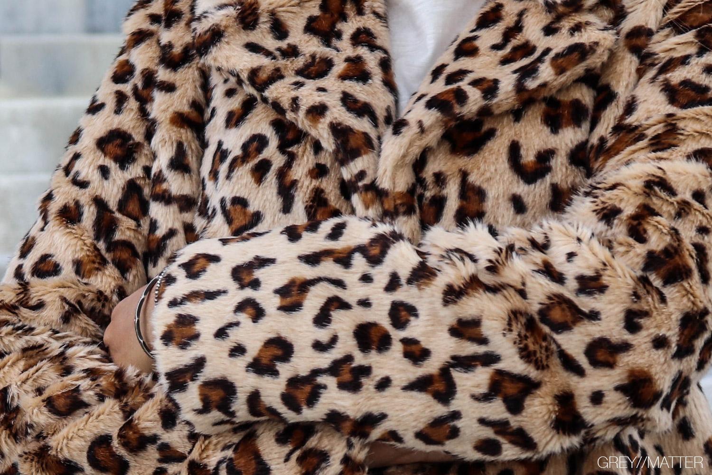 leopard_print_faux_fur_jakke_greymatter.jpg