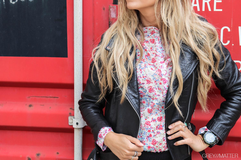 greymatter_fashion_skindjakke_hosbjerg_cain_croc_sort_blossom_skjorte.jpg