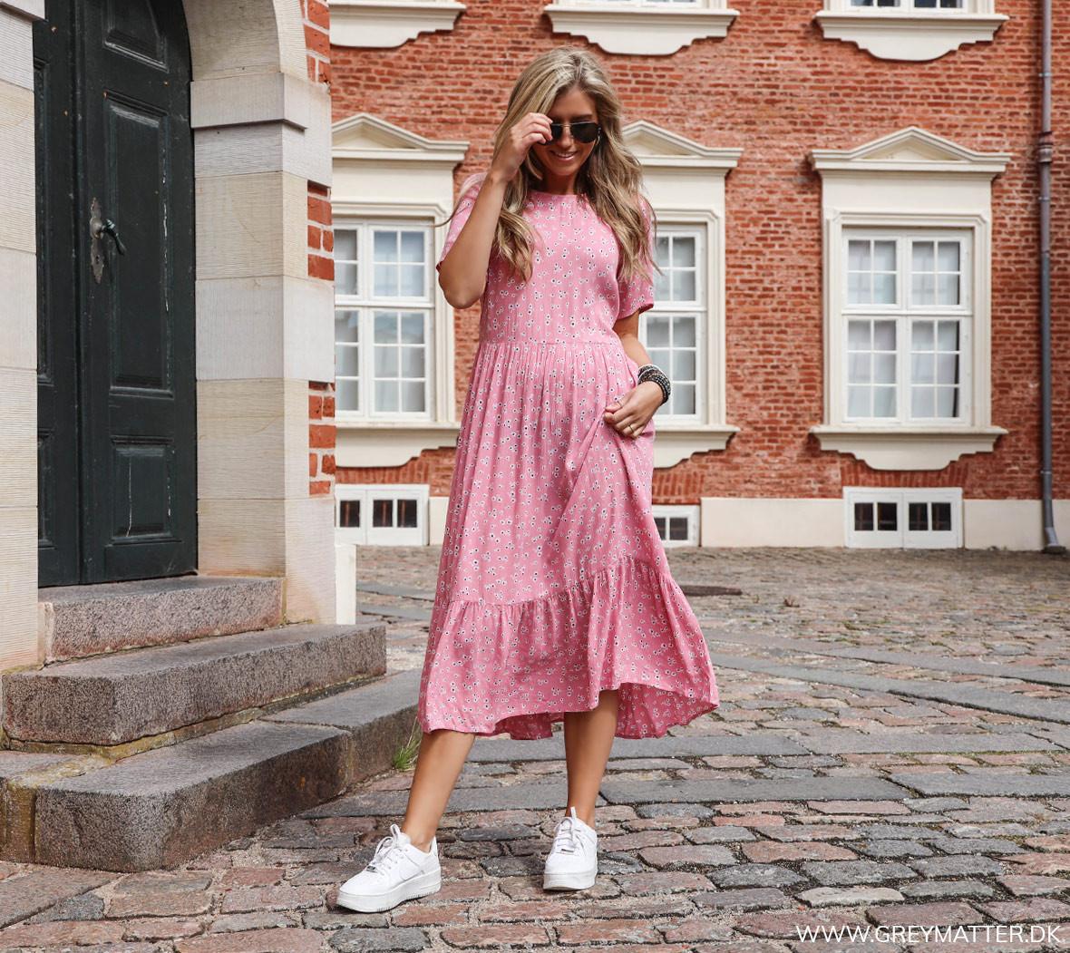 sommer_kjoler_2020_kjoletrend_greymatter.jpg