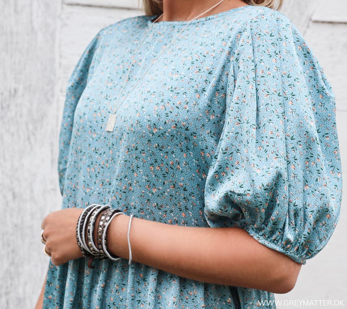 greymatter_kjoler_light_blue_print_dress.jpg