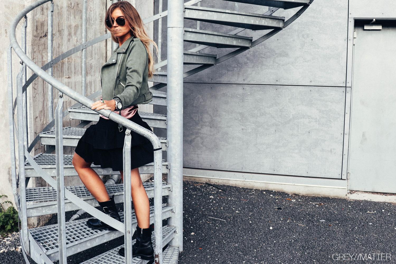 greymatter_fashion_army_jakke_bikerjakke_neo_noir_carin_nederdel_muse_juul_top.jpg