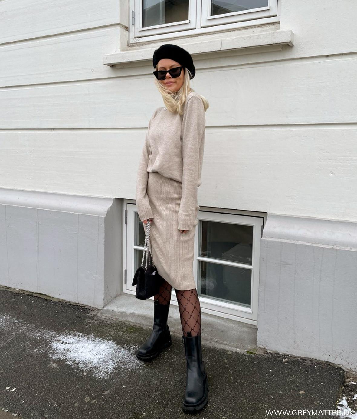 strik_outfit_beige.jpg