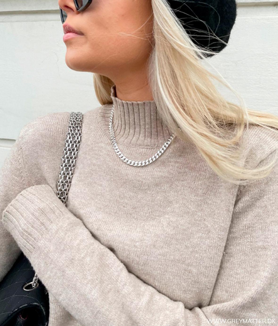 greymatter_fashion_turtleneck_blouse.jpg