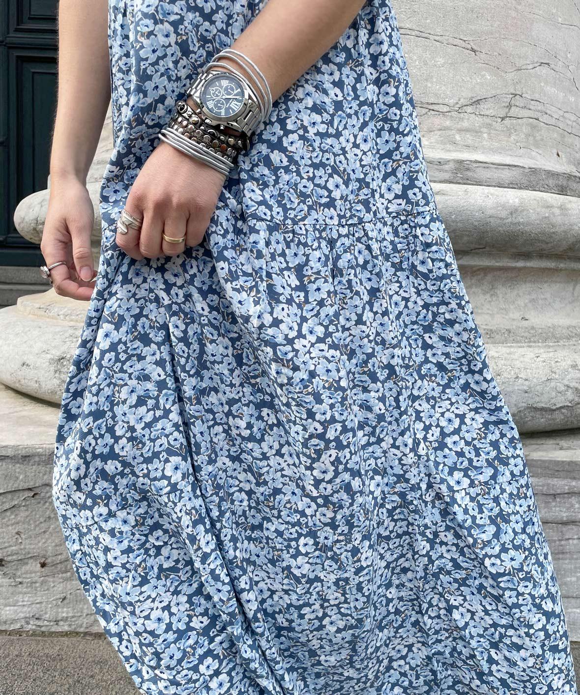only_kjole_blue.jpg