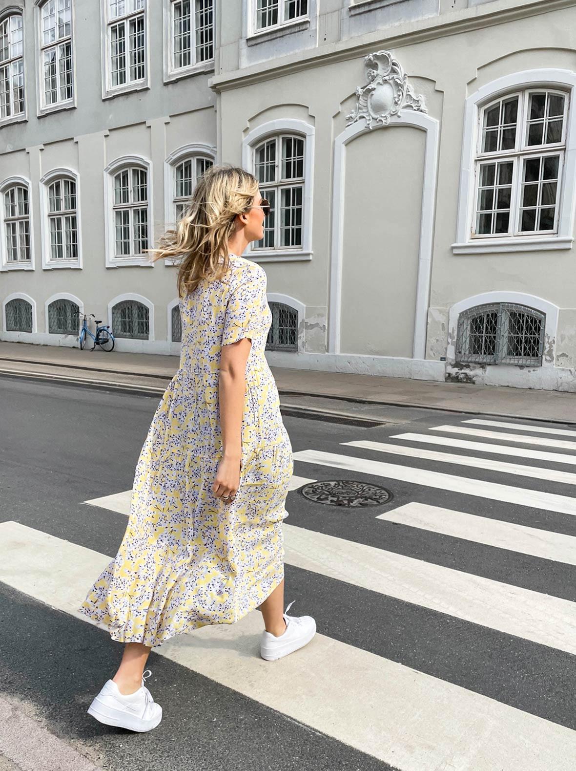 kjole_fra_only_i_gul.jpg