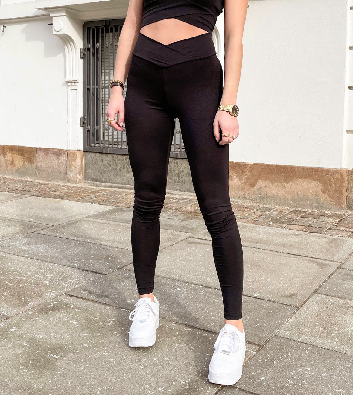 only_leggings_balance.jpg