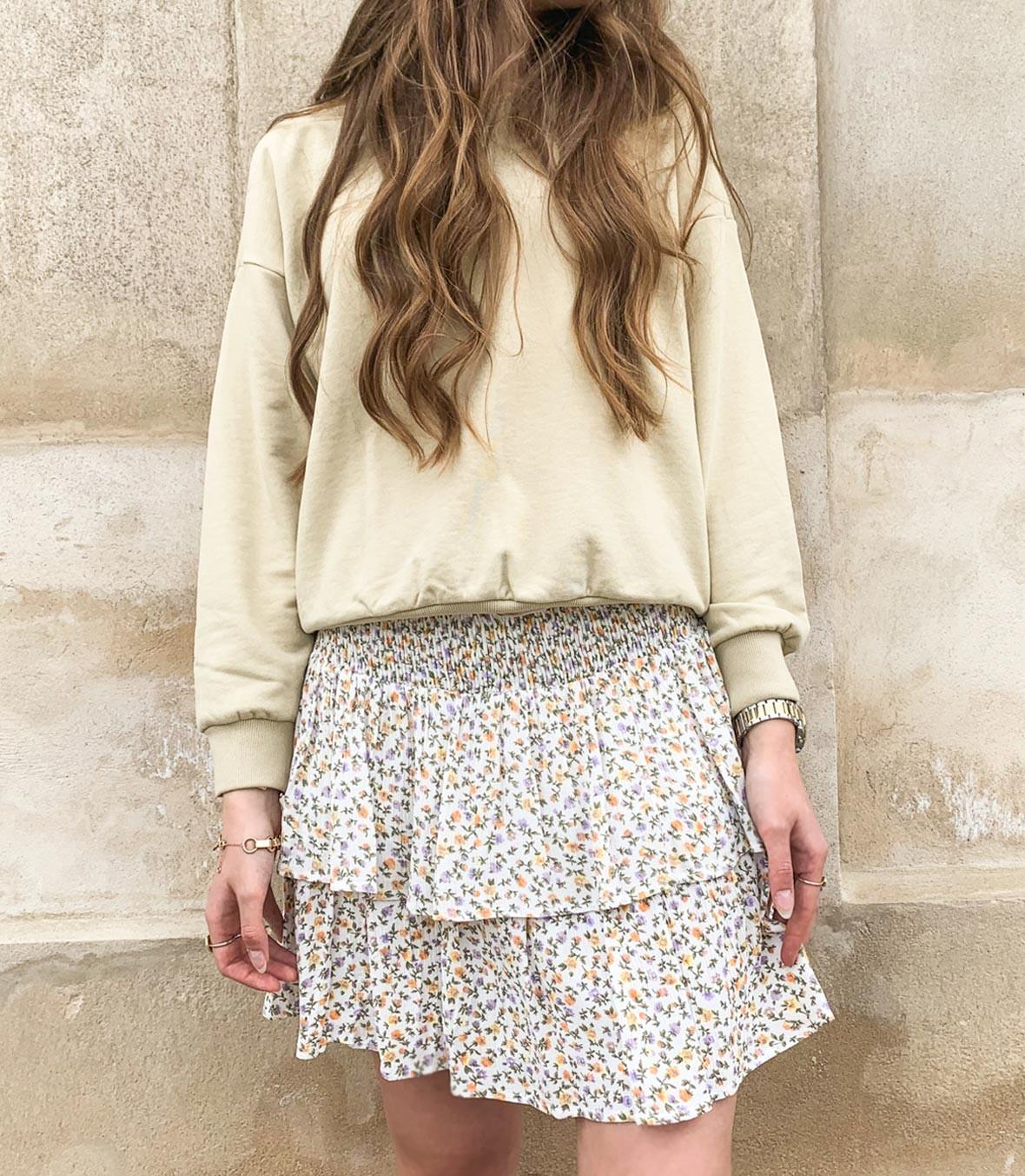 nederdel med flæser.jpg