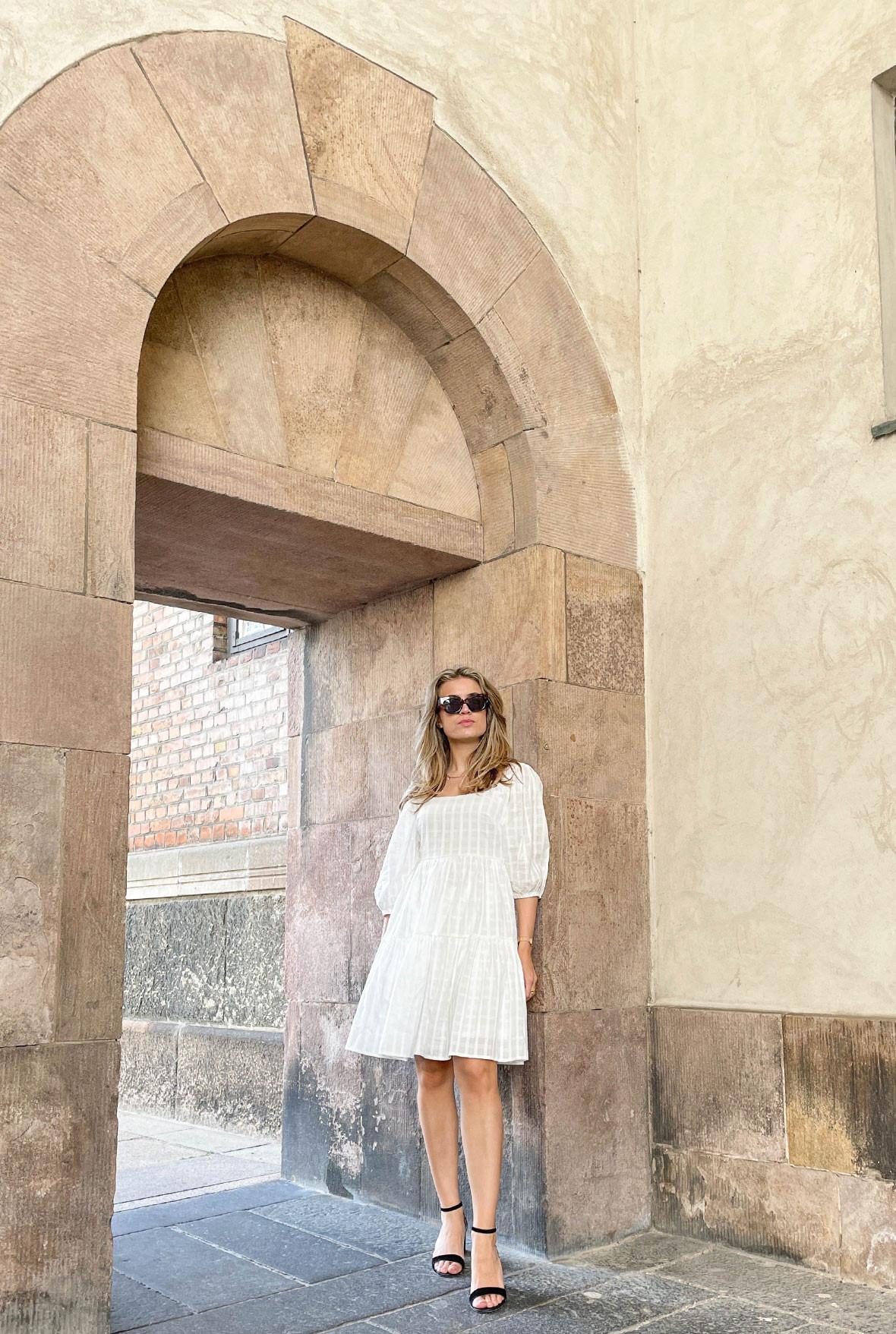 hvide-sommerkjoler-blog.jpg