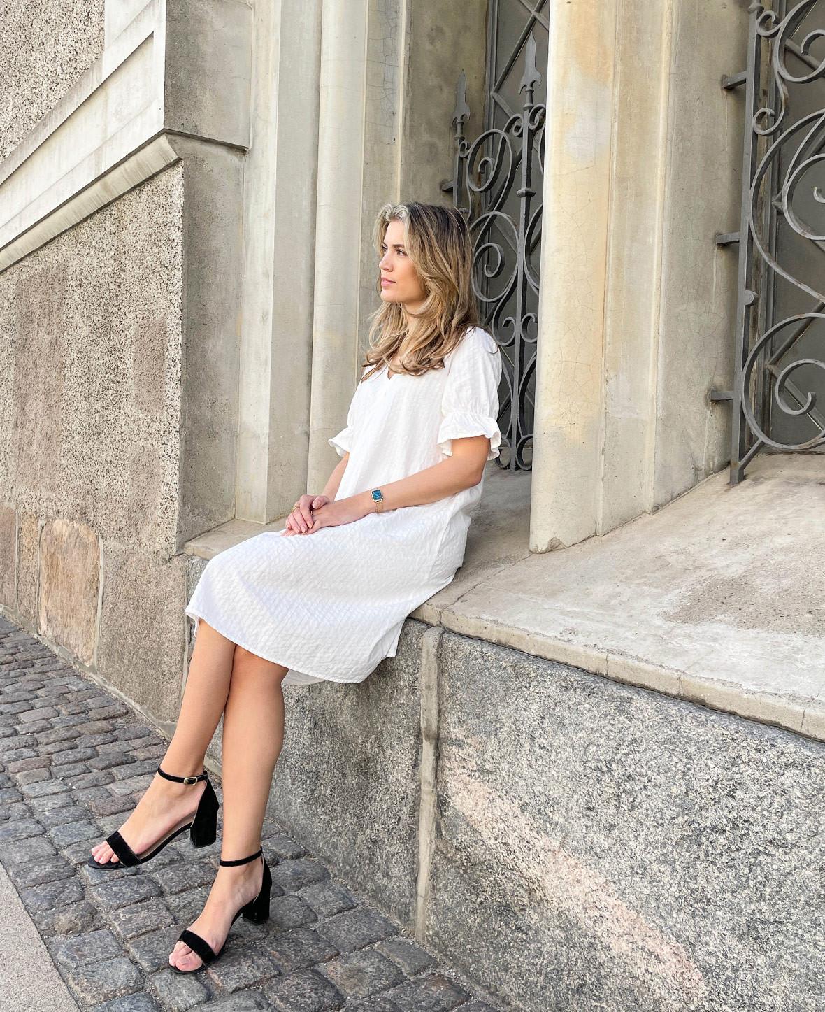 blog-hvide-kjoler-pieces-damemode.jpg