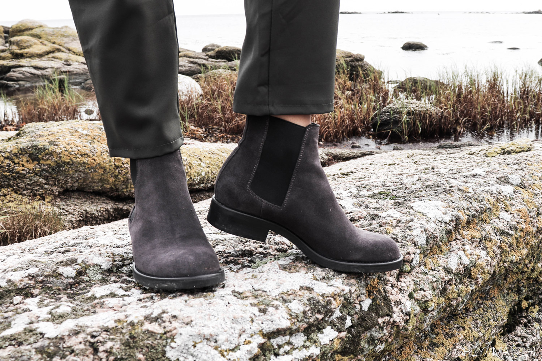 2_greymatter_notebook_apair_stoevler_grey_classic_boots.jpg