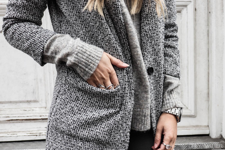 minimalistisk_blazerjakke_jackets_neo_noir_strikbluse.jpg