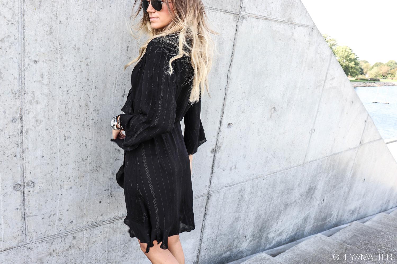 fanny_kjole_neo_noir_greymatter_fashion_sort_festkjole_gm3.jpg