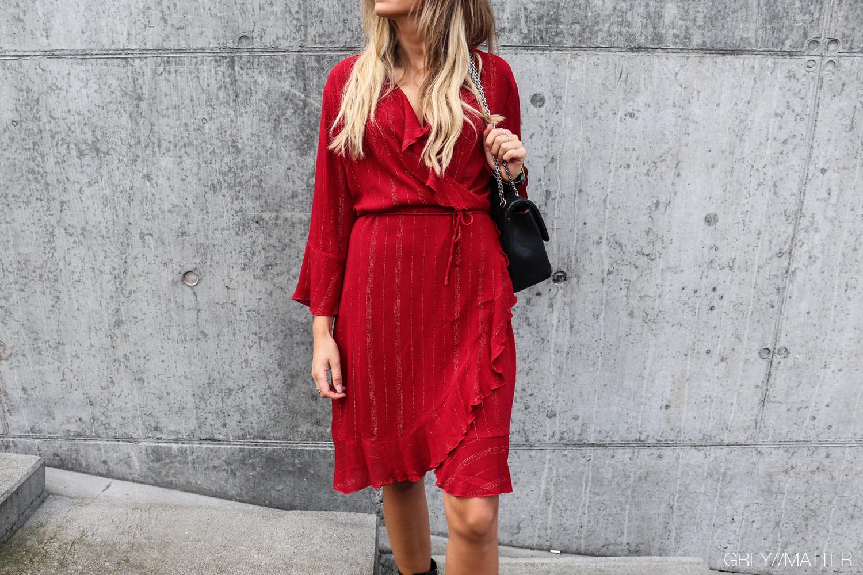 greymatter_fashion_neo_noir_roed_fanny_lurex_dress.jpg