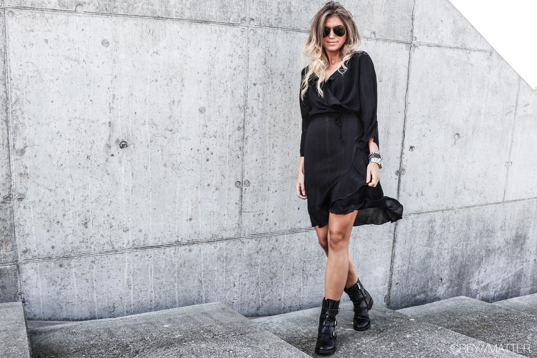 neo_noir_fanny_sort_kjole_lurex_julefrokost_kjoler_smukke_fine_festkjoler.jpg