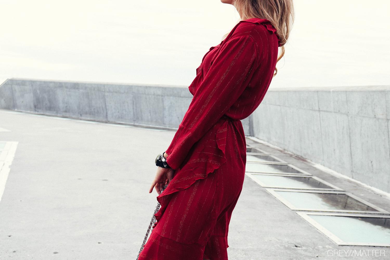 neo_noir_roed_lurex_dress_kjoler_fanny_greymatter.jpg