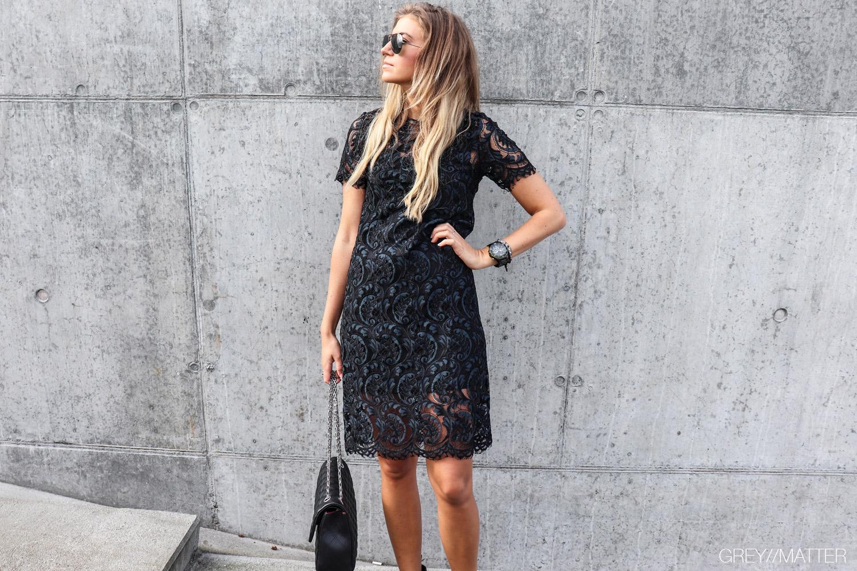 greymatter_blondekjole_blaa_sort_kjole_julekjole_fin_kjole.jpg