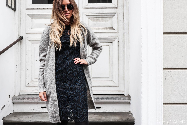 greymatter_fashion_blondekjole_blue_print_neo_noir_cardigan_gm2.jpg